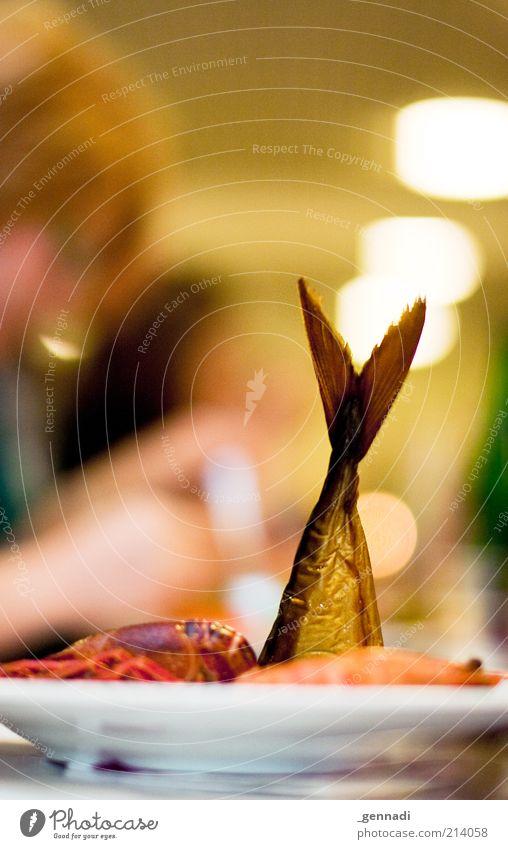 Esst mehr Fisch Ernährung Essen Lebensmittel verrückt Fisch Fisch retro authentisch lecker genießen Teller skurril Ekel Festessen Mittagessen Meeresfrüchte