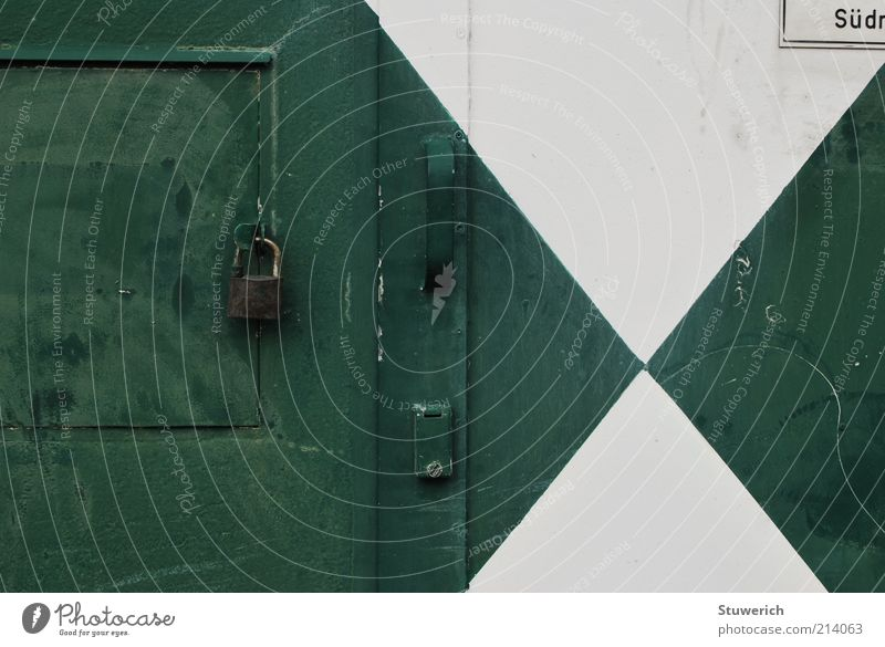 Verschlossen weiß grün Holz Tür Schilder & Markierungen geschlossen ästhetisch authentisch Schriftzeichen Burg oder Schloss Stahl Schloss Griff