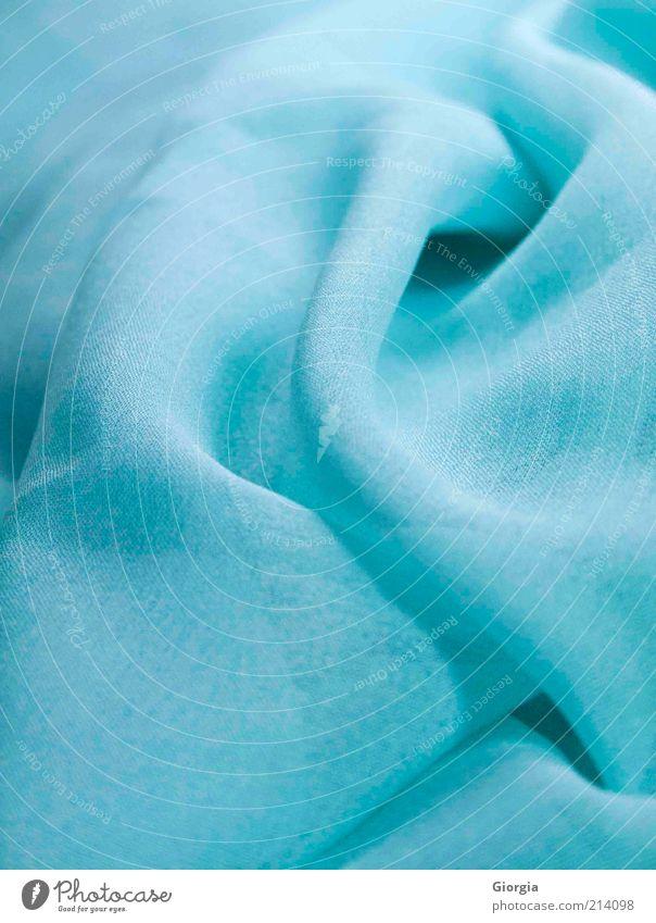 blauer Chiffon Stil Bekleidung Stoff Accessoire Schal Kopftuch ästhetisch einfach elegant trendy schön modern weich ruhig Farbe Farbfoto Innenaufnahme