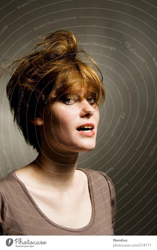 arrrrrrrgumente? Mensch feminin Junge Frau Jugendliche 1 18-30 Jahre Erwachsene sprechen skurril Stress Halbprofil rothaarig verwuschelt verstört verrückt