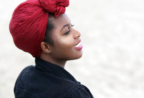 Arabella Mensch Frau schön Erholung Freude Strand Erwachsene Leben Gefühle feminin lachen Zeit Lächeln Fröhlichkeit Lebensfreude beobachten