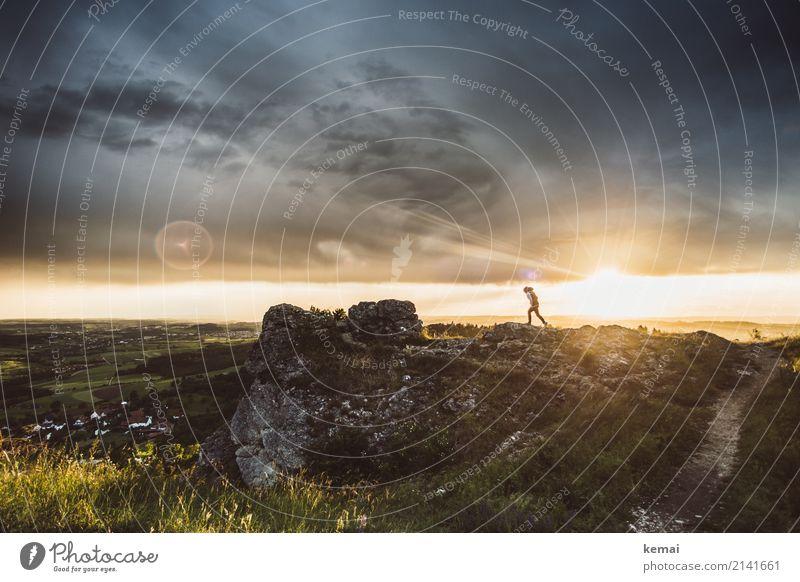 Sturmtage Mensch Himmel Natur Ferien & Urlaub & Reisen schön Landschaft Wolken Ferne dunkel Leben Lifestyle Umwelt außergewöhnlich Freiheit Felsen Ausflug