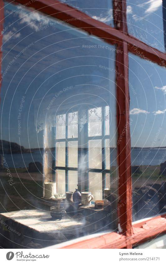 lange nichts mehr gefischt alt Himmel Meer Sommer Fenster Glas authentisch Häusliches Leben Vergänglichkeit Hütte Vergangenheit historisch Fensterscheibe