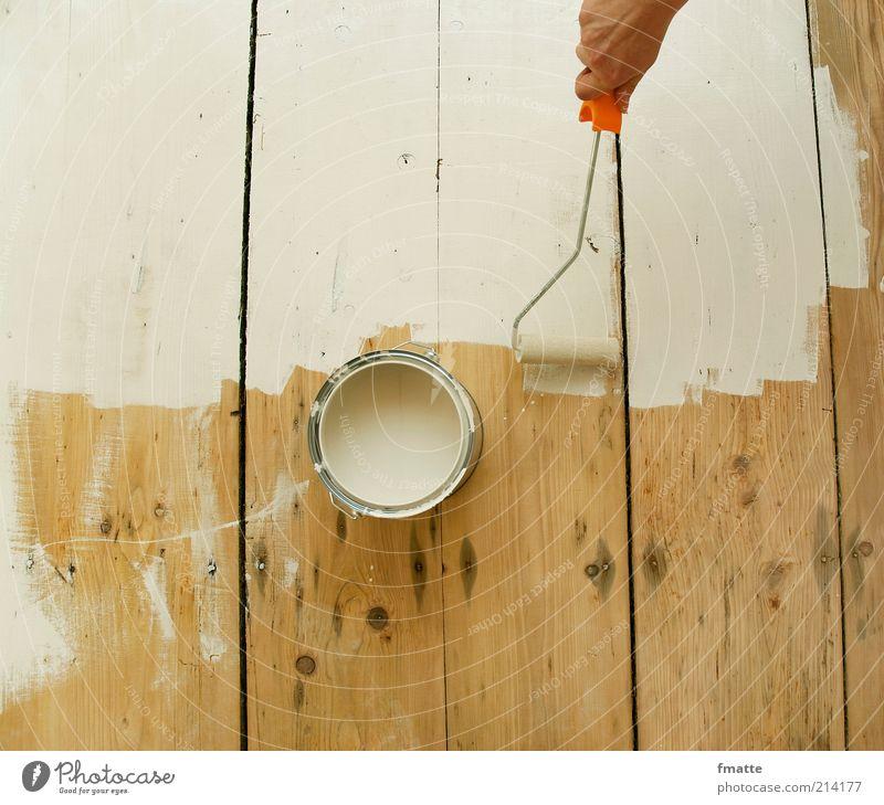 streichen Anstreicher Arbeitsplatz Baustelle Handwerk Arbeit & Erwerbstätigkeit hell Heimwerker Renovieren Maler Farbe Holz Dielenboden Farbfoto Innenaufnahme