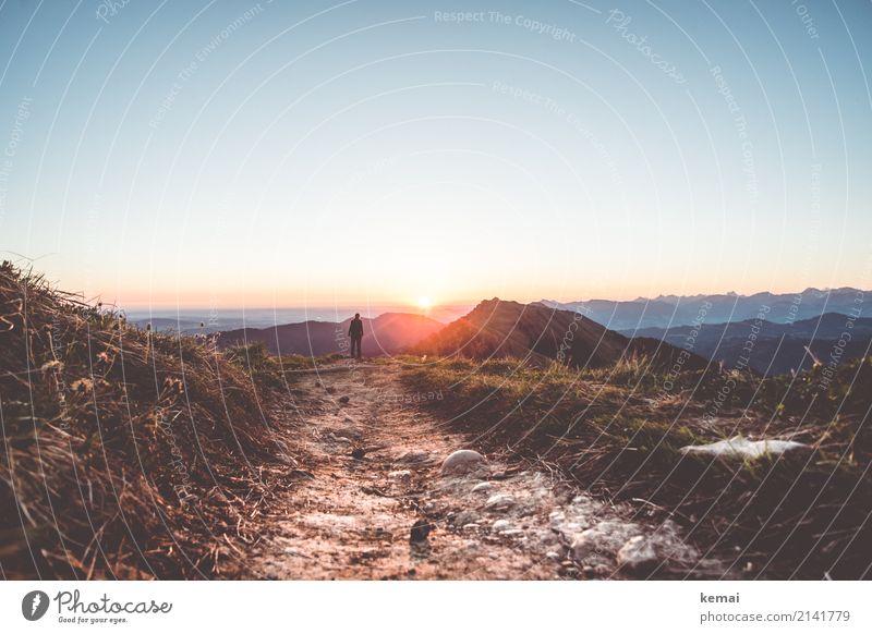 Morgensonne in den Bergen Mensch Natur Ferien & Urlaub & Reisen Sommer Landschaft Erholung ruhig Ferne Berge u. Gebirge Lifestyle Wege & Pfade Freiheit Felsen