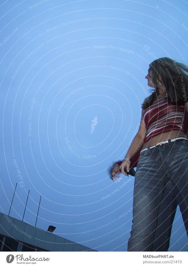 Junge Frau aus der Discothek Haare & Frisuren Wetter Parkplatz Fototechnik