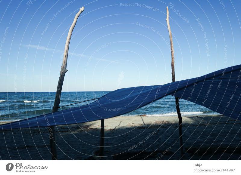 Blaue Wellen auf Korsika Ferien & Urlaub & Reisen blau Sommer Wasser Sonne Landschaft Meer Strand Wärme natürlich Küste Holz Freiheit Stimmung Wind