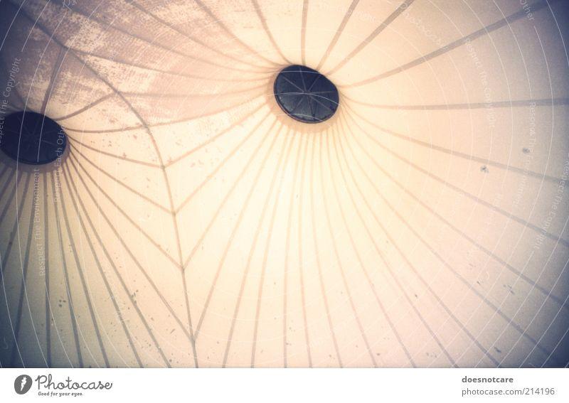 Halleule. Linie hell Architektur Hintergrundbild Dach analog Loch Lomografie Symmetrie abstrakt Vignettierung Lüftung Belüftung durchleuchtet Zelthimmel
