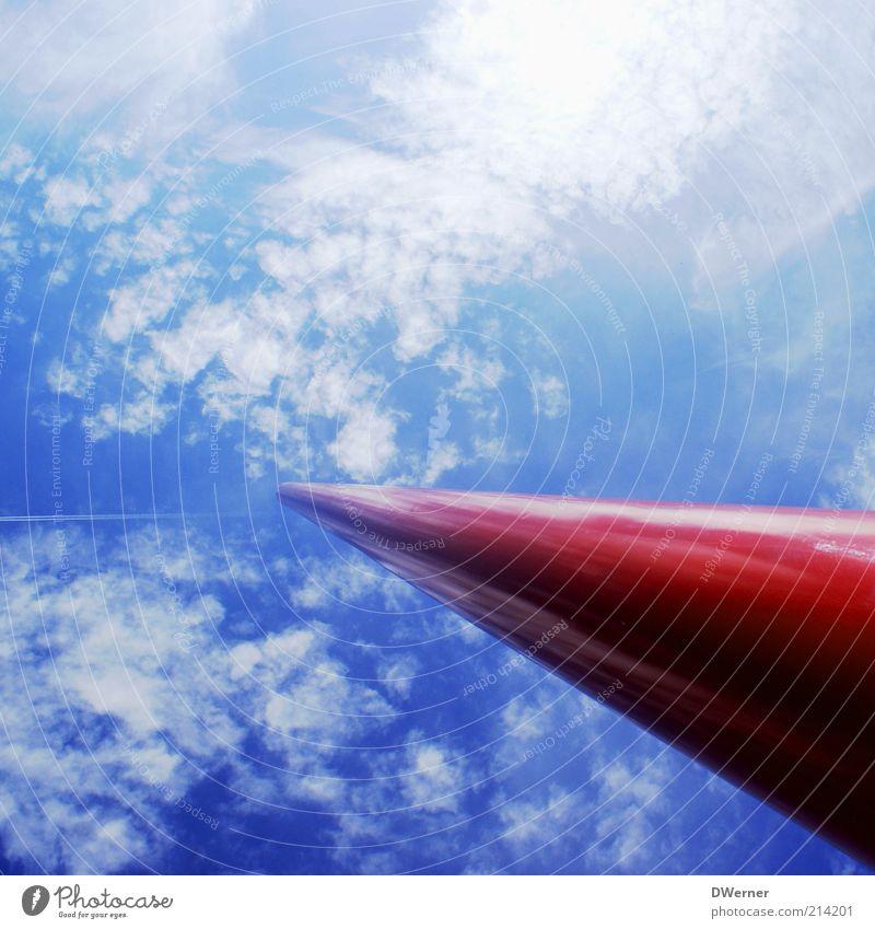 Wolkensäule Stil Design Freiheit Fortschritt Zukunft Himmel außergewöhnlich hell rot Stab Säule Fahnenmast Farbfoto Außenaufnahme Detailaufnahme Luftaufnahme