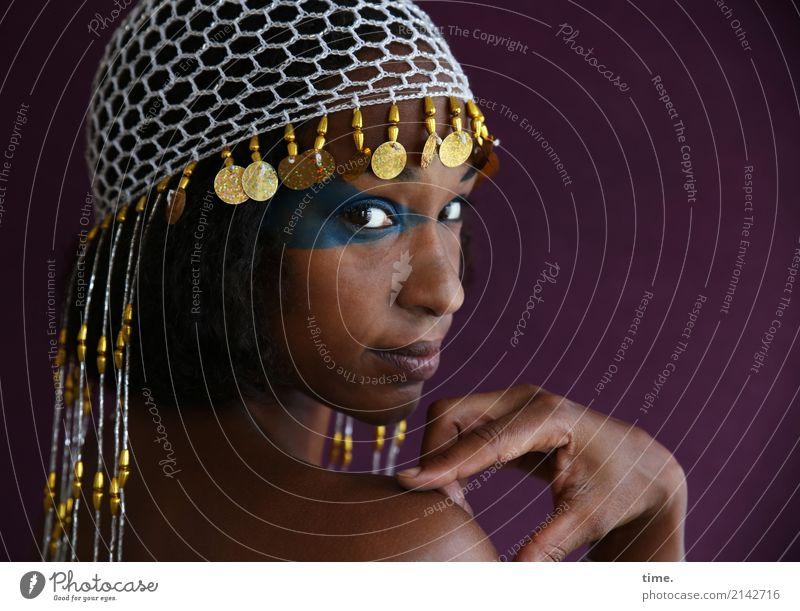 . Mensch Frau schön ruhig Erwachsene Leben Gefühle feminin außergewöhnlich ästhetisch Warmherzigkeit beobachten Coolness Neugier entdecken festhalten