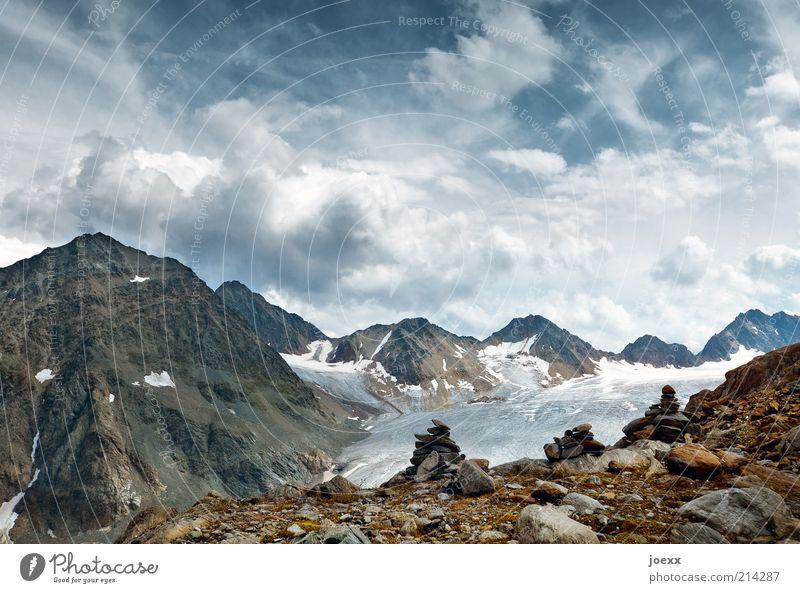 Ewigkeit und Vergänglichkeit alt Himmel blau Sommer ruhig Wolken Berge u. Gebirge Freiheit Stein Landschaft braun Erde Reisefotografie Alpen Gipfel Urelemente
