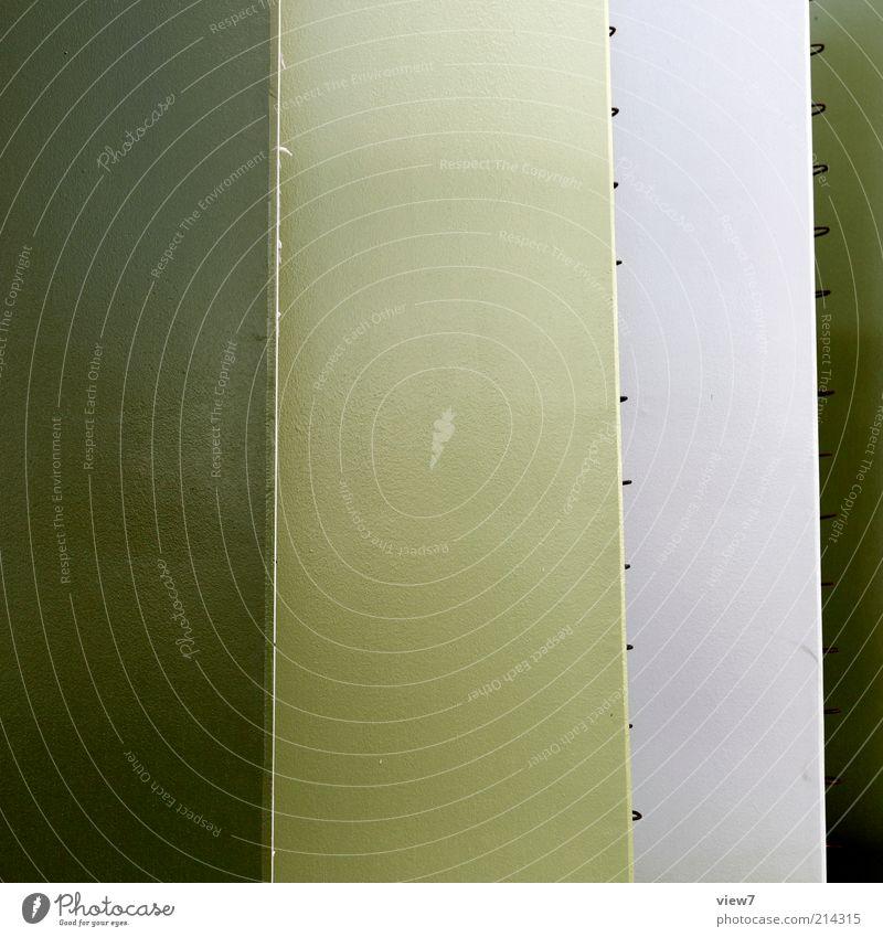 grün. grün Wand Mauer Metall Linie Fassade elegant Ordnung Design modern ästhetisch außergewöhnlich authentisch neu Perspektive Streifen