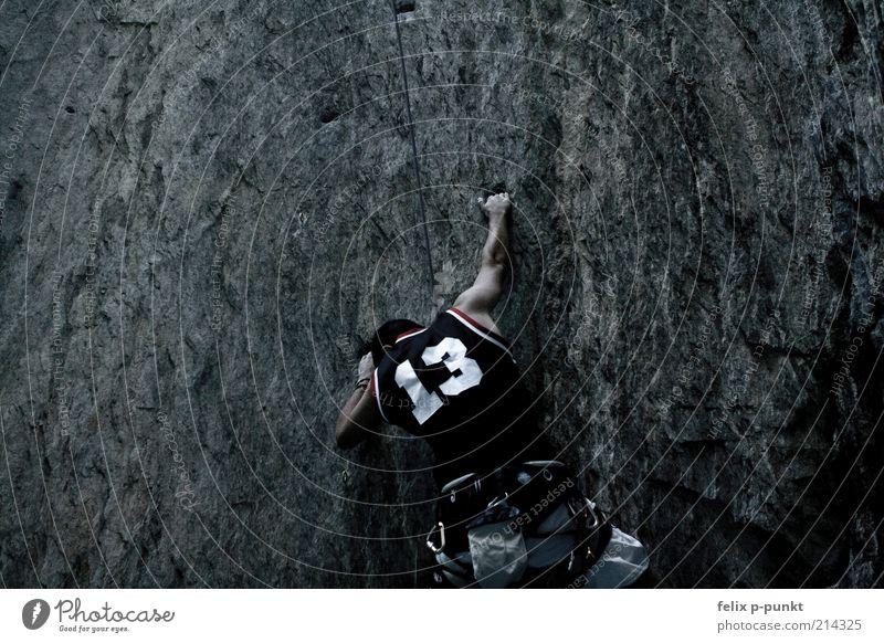 lactat Mensch Sommer dunkel Sport Freiheit Berge u. Gebirge grau Stein Gesundheit Felsen maskulin Seil ästhetisch Tourismus authentisch außergewöhnlich