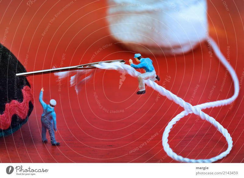 Miniwelten - Einfädeln Freizeit & Hobby Handarbeit Arbeitsplatz Dienstleistungsgewerbe Handwerk Team Mensch maskulin Mann Erwachsene 2 Mode Bekleidung rot weiß