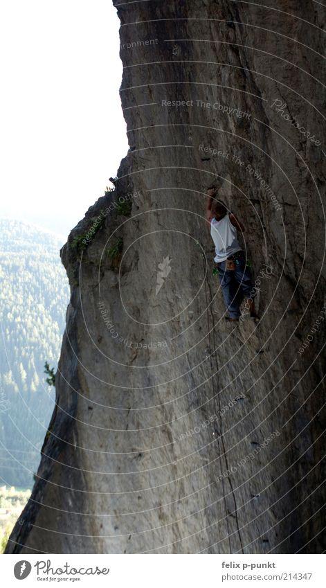 outview Mensch Mann Meer Umwelt Berge u. Gebirge Bewegung Stein Zufriedenheit Felsen maskulin Abenteuer Seil Lifestyle Klettern anstrengen Muskulatur