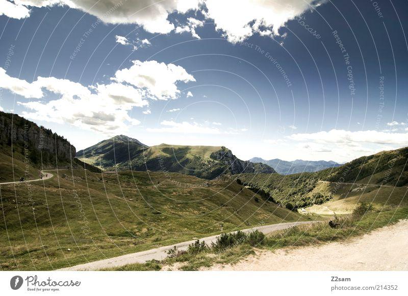 3,5 Stunden/1600Höhenmeter später Himmel Natur grün schön Sommer Ferien & Urlaub & Reisen Wolken ruhig Ferne Straße Erholung Berge u. Gebirge Landschaft Umwelt