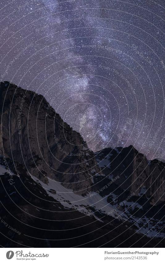 Milchstraße in den Bergen Umwelt Natur Landschaft Himmel Wolkenloser Himmel Nachthimmel Stern Frühling Schönes Wetter Alpen Gipfel Schneebedeckte Gipfel
