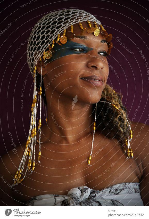 . Mensch Frau schön Freude Erwachsene Leben feminin Kunst Glück außergewöhnlich Kreativität Lächeln Fröhlichkeit Idee beobachten Wandel & Veränderung