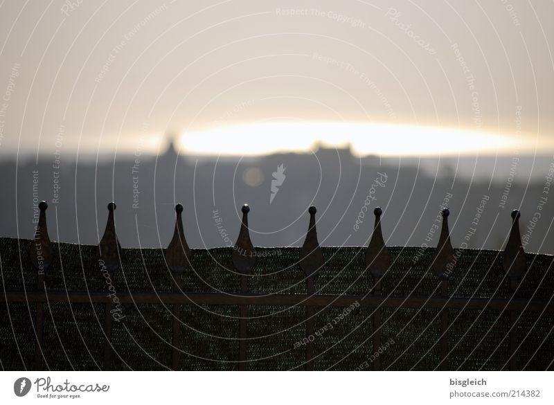 Castel Gandolfo / Italien Europa Dorf Menschenleer Sehenswürdigkeit grau Zaun ruhig Farbfoto Gedeckte Farben Außenaufnahme Textfreiraum oben Abend Dämmerung