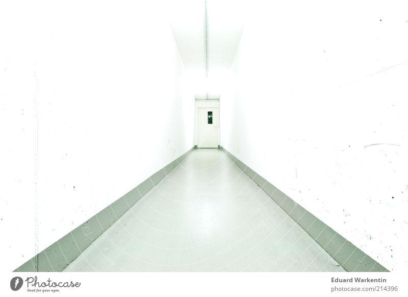 Weißer Tunnel Tür ästhetisch Gang Boden Wand Decke weiß hell steril Zentralperspektive Wege & Pfade Innenaufnahme Menschenleer Textfreiraum links