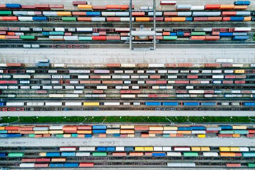 Güterzüge und Fracht Container in einem Container Terminal Business Verkehr Technik & Technologie Industrie Eisenbahn Güterverkehr & Logistik Wirtschaft