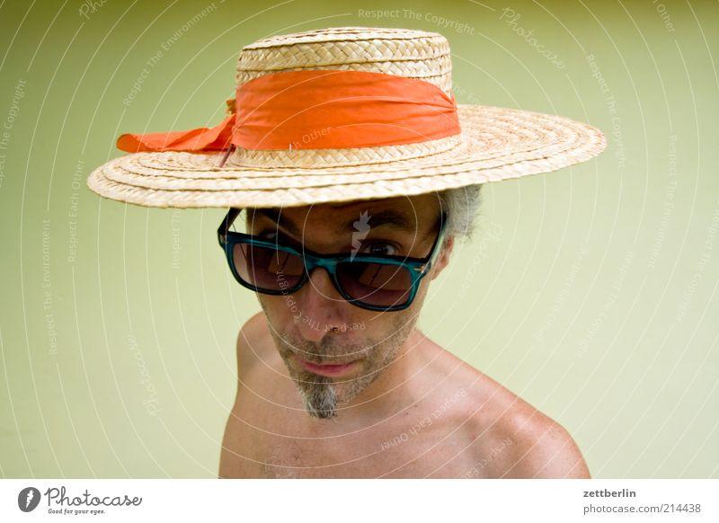 Sommer Mann Gesicht Auge Kopf Erwachsene lustig Brille 45-60 Jahre außergewöhnlich Hut Bart skurril Sonnenbrille Surrealismus erstaunt staunen