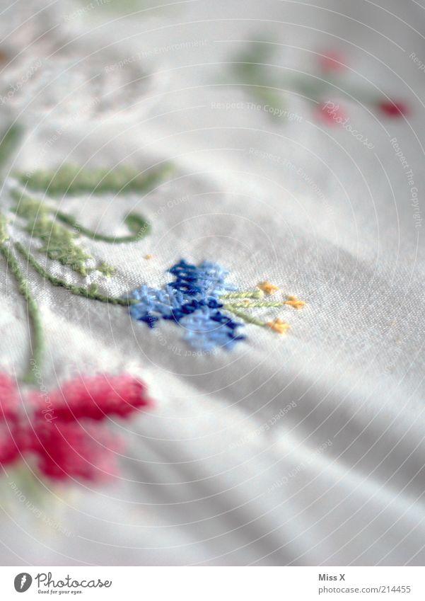Omas Tischdecke alt weiß Dekoration & Verzierung Sauberkeit Häusliches Leben Stoff Falte Nostalgie edel Faltenwurf Reinheit Leinen Handarbeit Reinlichkeit Sticken
