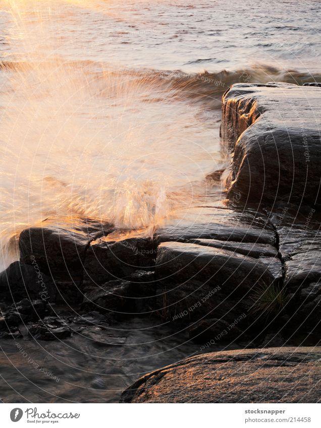 Wasser Meer Landschaft Wellen Küste Wind nass Felsen Tropfen Unwetter Finnland Skandinavien sprühen Sprühwasser