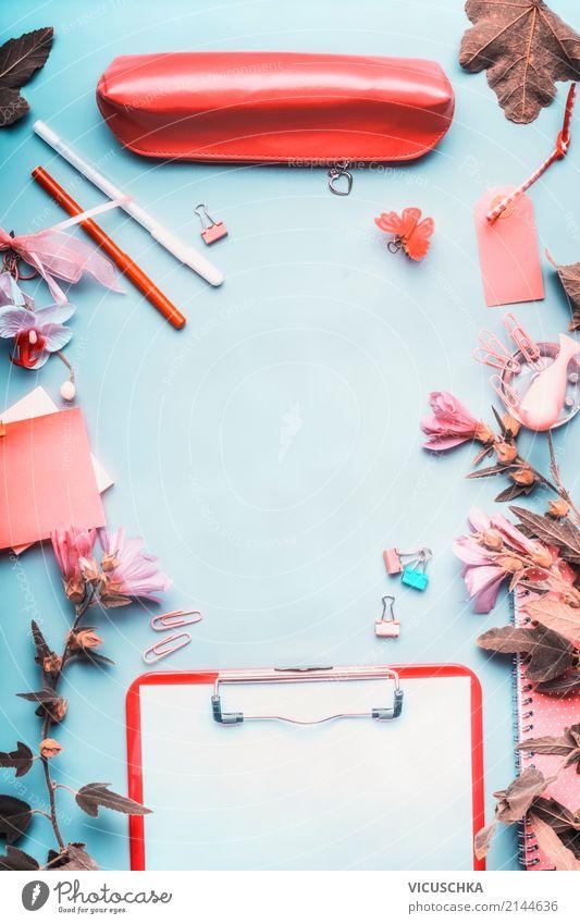 Schreibtisch mit Blumen und Bedarf Lifestyle Hintergrundbild feminin Stil Business Schule rosa Design Arbeit & Erwerbstätigkeit Freizeit & Hobby