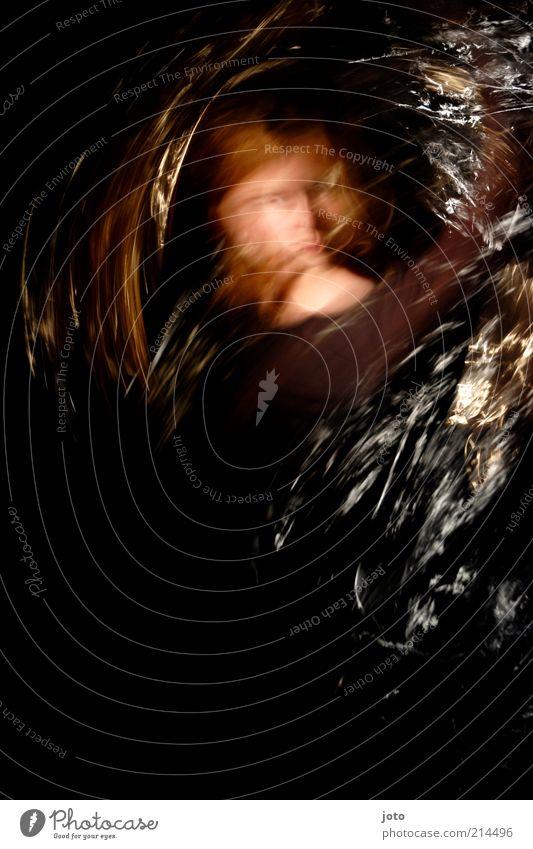gegen die Zeit Jugendliche Einsamkeit dunkel Bewegung träumen Kopf glänzend verrückt Geschwindigkeit Aktion Vergänglichkeit einzigartig geheimnisvoll