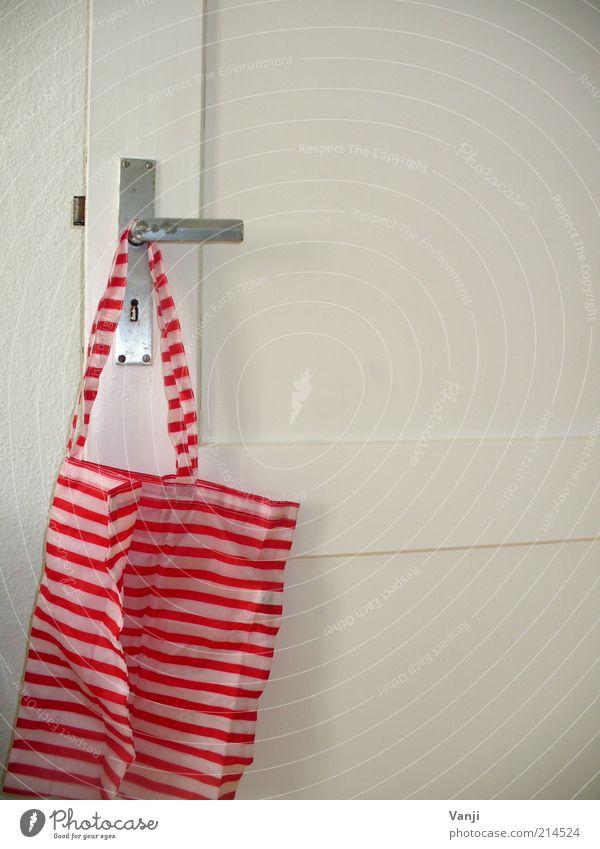 Frühstücksbeutel weiß rot Wohnung Fröhlichkeit Coolness einfach Autotür Kunststoff Tasche hängen gestreift Beutel gebrauchen Türschloss Einkaufstasche