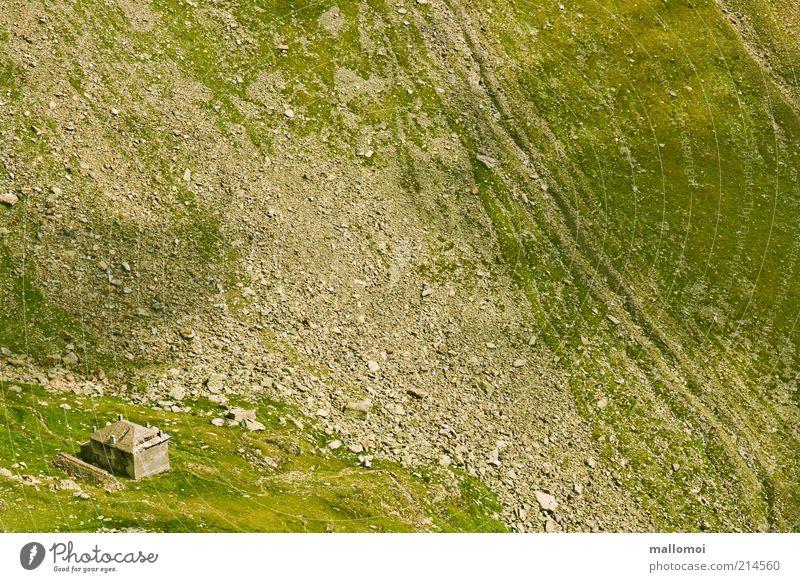 Eremit grün ruhig Einsamkeit Haus Berge u. Gebirge grau Felsen Vergänglichkeit Alpen Schutz Hütte Verfall Desaster abwärts steil Krise