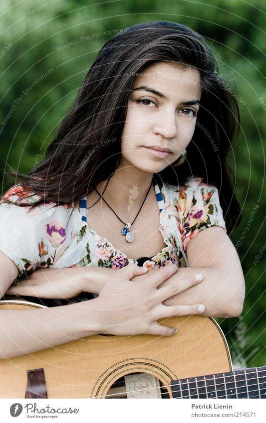 Stella Cruz Mensch Natur Jugendliche schön ruhig feminin Umwelt Kopf Denken Stimmung Musik Zufriedenheit frisch Lifestyle natürlich authentisch