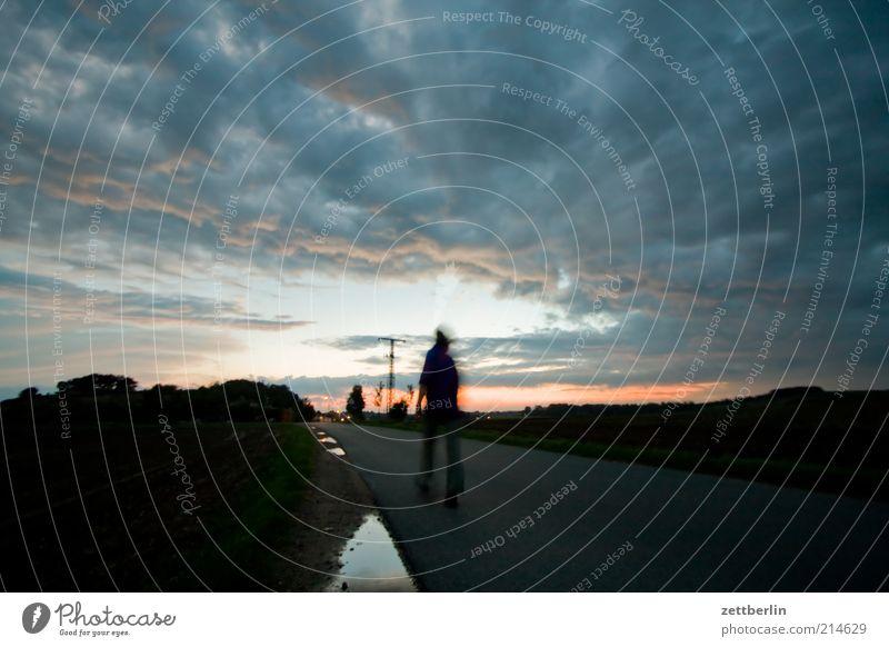Mönchgut Mensch Natur Ferien & Urlaub & Reisen Ferne Straße Umwelt Landschaft Freiheit Wege & Pfade Horizont Wetter laufen wandern Ausflug Abenteuer Ziel