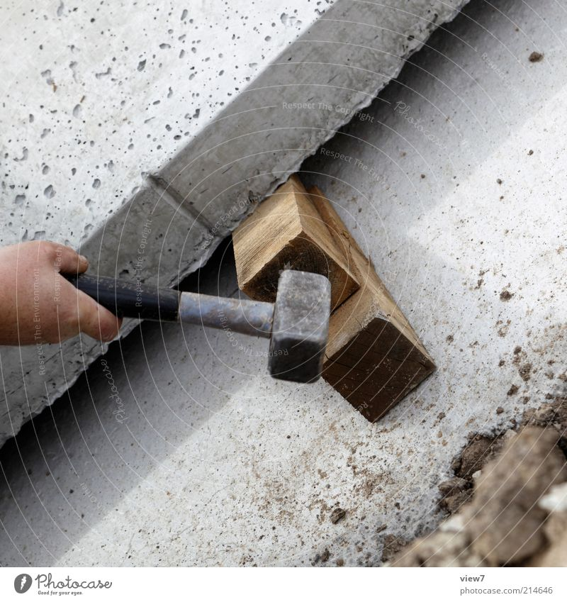Fäustel Hand Holz grau Stein Linie Metall Arbeit & Erwerbstätigkeit Kraft Beton Finger ästhetisch Industrie authentisch Baustelle einfach machen
