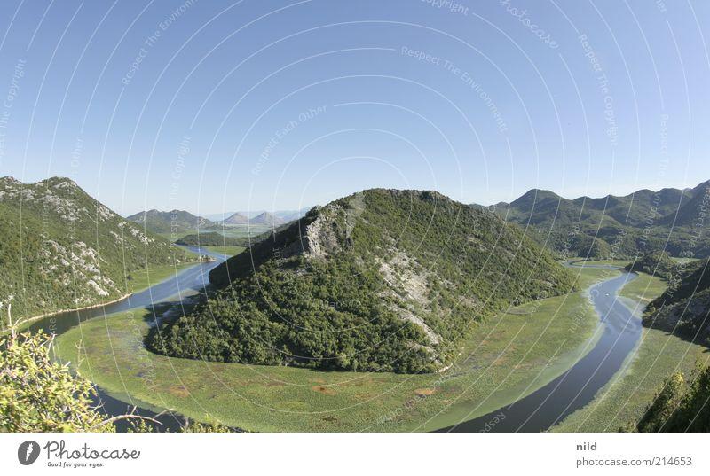 Naturschönheit Sommer Ferien & Urlaub & Reisen Freiheit Berge u. Gebirge Landschaft Umwelt Tourismus Fluss Hügel Kurve Schlucht Sommerurlaub Tal Blauer Himmel