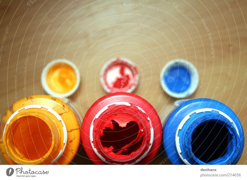 RGB blau rot gelb Farbe Arbeit & Erwerbstätigkeit Holz Farbstoff nass offen authentisch Ziel Handwerk malen mehrfarbig Idee