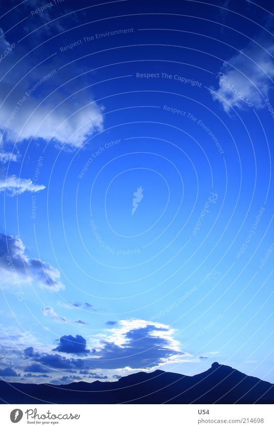 Im Frühtau am Strande, da friert man sich eins.. Himmel Wolken Ferne Leben Berge u. Gebirge Schönes Wetter Blauer Himmel