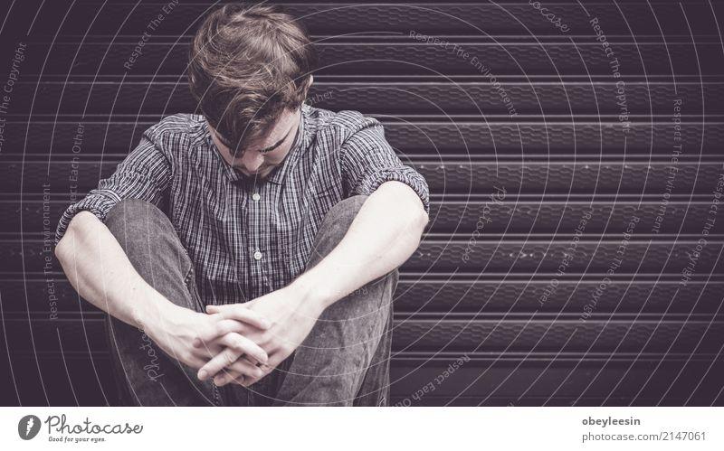 Angst, Trauer, Missbrauch, Depression Mensch Mann Einsamkeit Gesicht Erwachsene Traurigkeit Denken Verkehr Herz Armut Asien Wut Schmerz Gewalt Verzweiflung