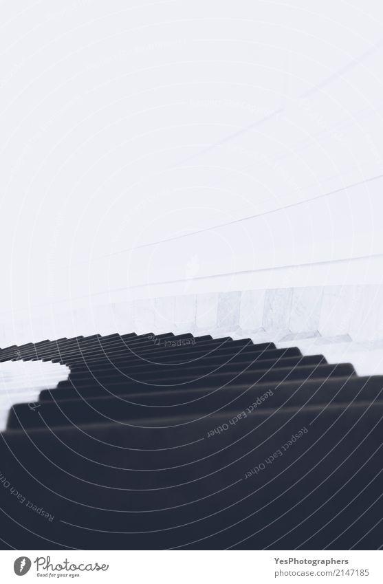 Spirale unten monochrom Treppe leuchten Traurigkeit Unendlichkeit schwarz weiß Hoffnung Idee Errungenschaften Herausforderung Zusammensetzung Entwurf