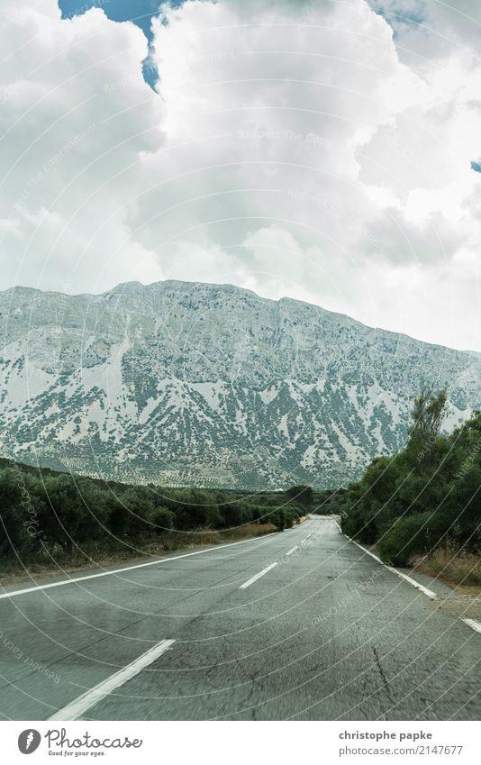 Noch nicht über den Berg Ferien & Urlaub & Reisen Sommer Landschaft Einsamkeit Wolken Ferne Berge u. Gebirge Straße Umwelt Wege & Pfade Ausflug Abenteuer hoch