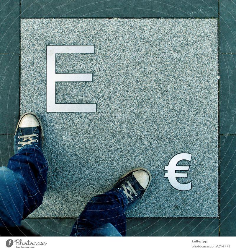 kontostand Wirtschaft Industrie Kapitalwirtschaft Börse Geldinstitut Business Mittelstand Mensch maskulin Mann Erwachsene Leben Beine Fuß 1 Zeichen