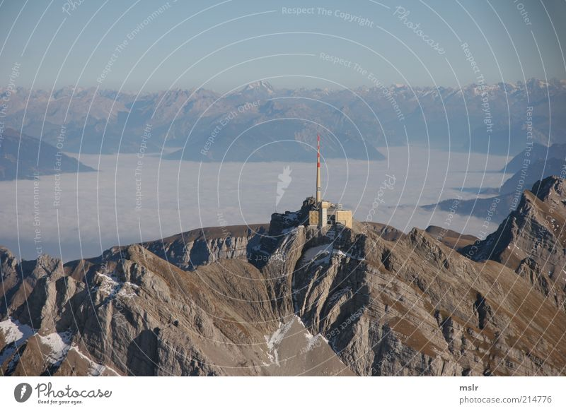 Säntis Himmel Ferne Berge u. Gebirge Gebäude Landschaft braun Felsen Ausflug Aussicht Alpen Gipfel Antenne Schweiz Berg Säntis
