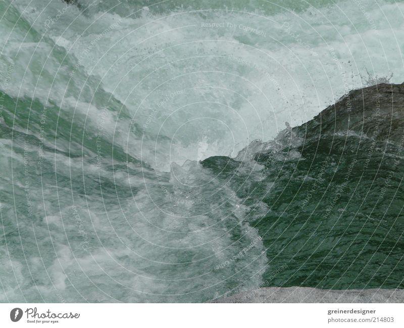 Wildes Wasser 01 Natur Bewegung Kraft Wellen Wassertropfen Fluss wild Bach Wasserfall Strömung Naturgewalt Wildwasser