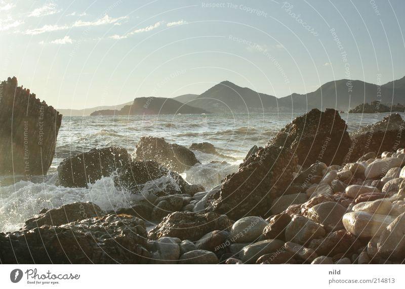 Naturschönheit III Himmel Natur Wasser Sommer Strand Ferien & Urlaub & Reisen Meer ruhig Freiheit Berge u. Gebirge Landschaft Umwelt Stein Küste Wellen Felsen