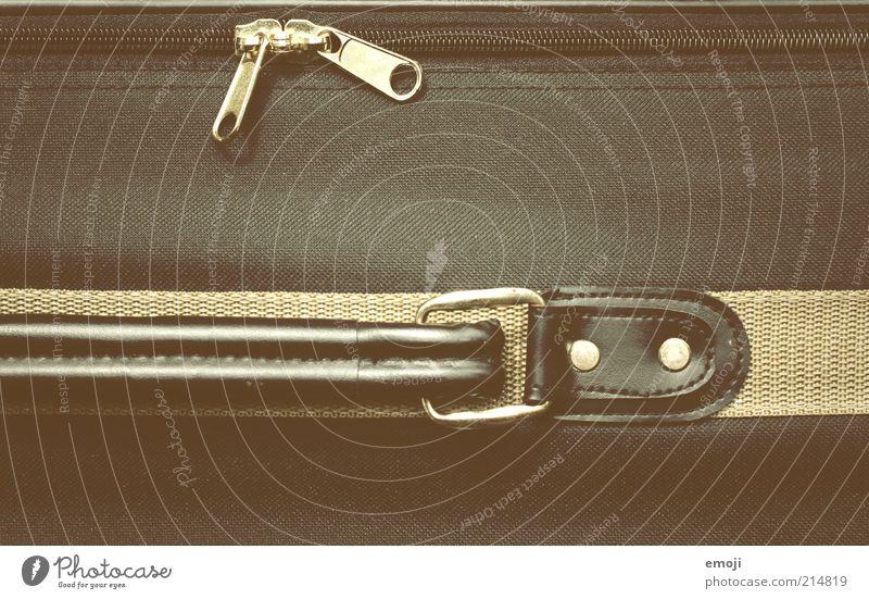 ich packe meinen Koffer Ferien & Urlaub & Reisen schwarz Ausflug Tourismus Stoff Symbole & Metaphern Stillleben Tasche Griff Gepäck Befestigung Reißverschluss