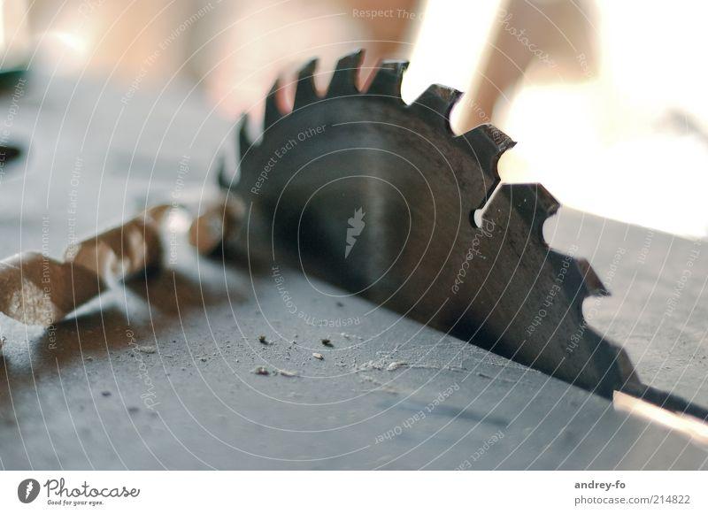 Kreissäge Hausbau Tischlerarbeit Arbeitsplatz Baustelle Zimmerei Handwerk Säge Maschine Technik & Technologie Industrie kreisrund Holz Metall Stahl bauen Späne