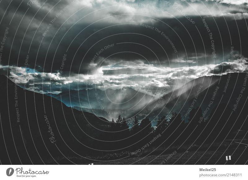 Wolkenspiel Sommerurlaub Berge u. Gebirge wandern Natur Landschaft Urelemente Luft Gewitterwolken Hügel Alpen Gipfel Menschenleer genießen authentisch