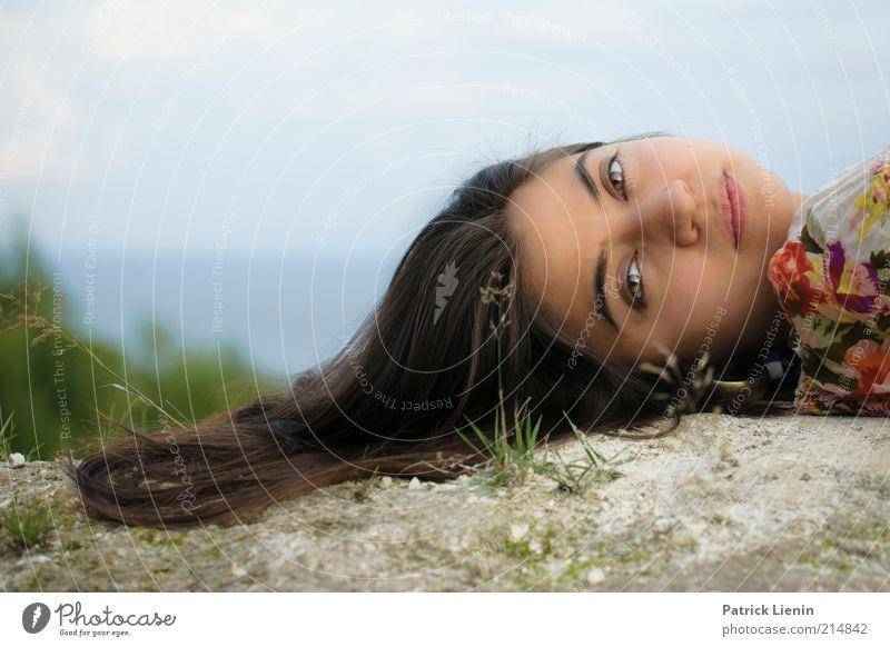 The way you look Frau Mensch Natur Jugendliche schön Pflanze Freude Meer Gesicht Auge feminin Umwelt Landschaft Gras Kopf Glück