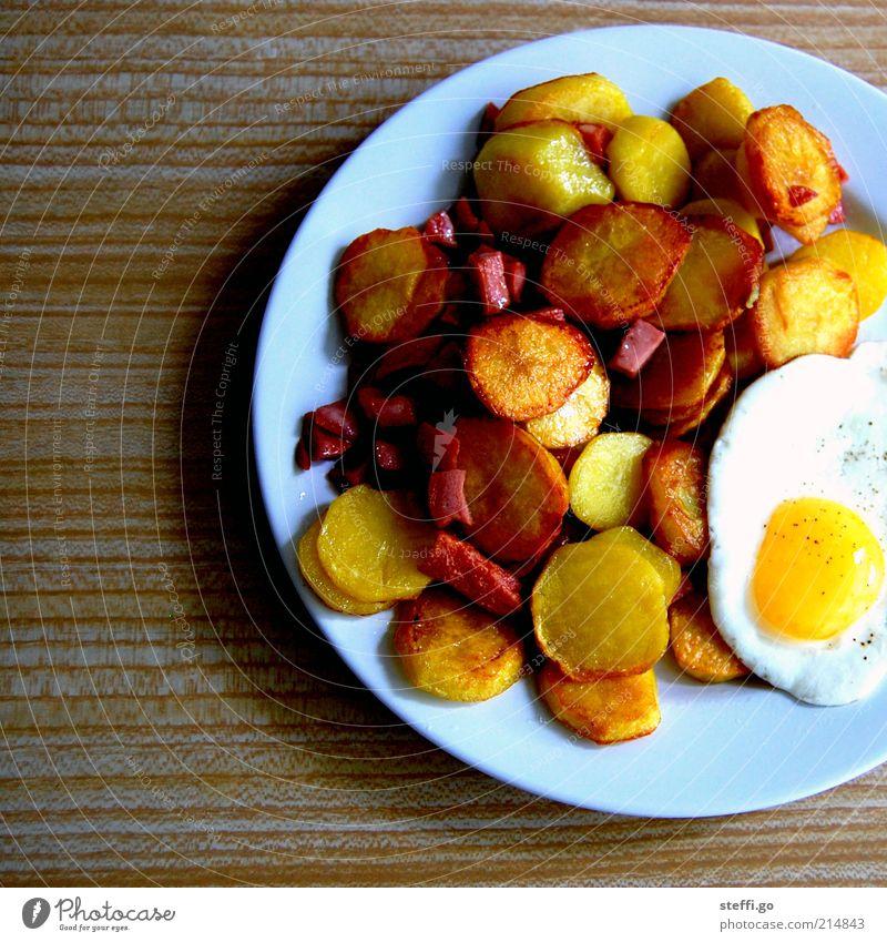 Mahlzeit! Lebensmittel Foodfotografie Ernährung Appetit & Hunger lecker Übergewicht Duft Teller Ei Abendessen Fleisch Fett Mittagessen Wurstwaren Gemüse